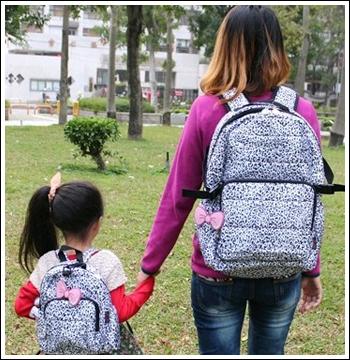 【開箱】Jumi冰雪豹紋親子媽媽包 媽咪小孩時尚背著走